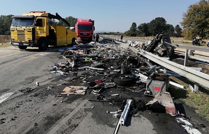 Крупное ДТП в Сербии: шестеро погибших и около 30 пострадавших