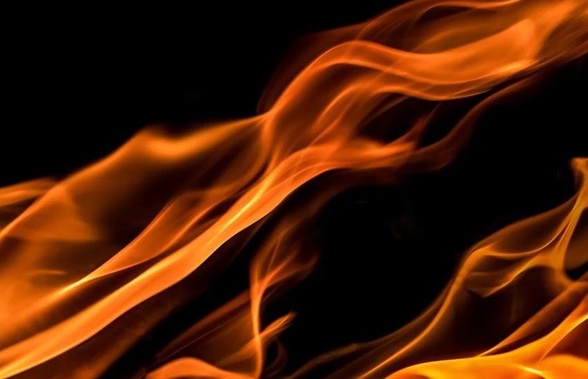 Лесные пожары бушуют в Греции.  Горят дома, людей спешно эвакуируют