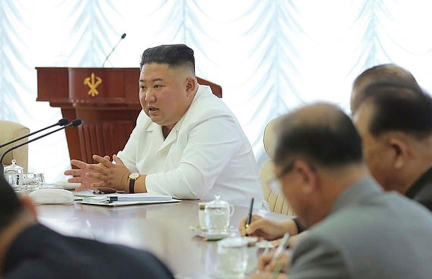 Ким Чен Ын появился на публике и удивил своим внешним видом