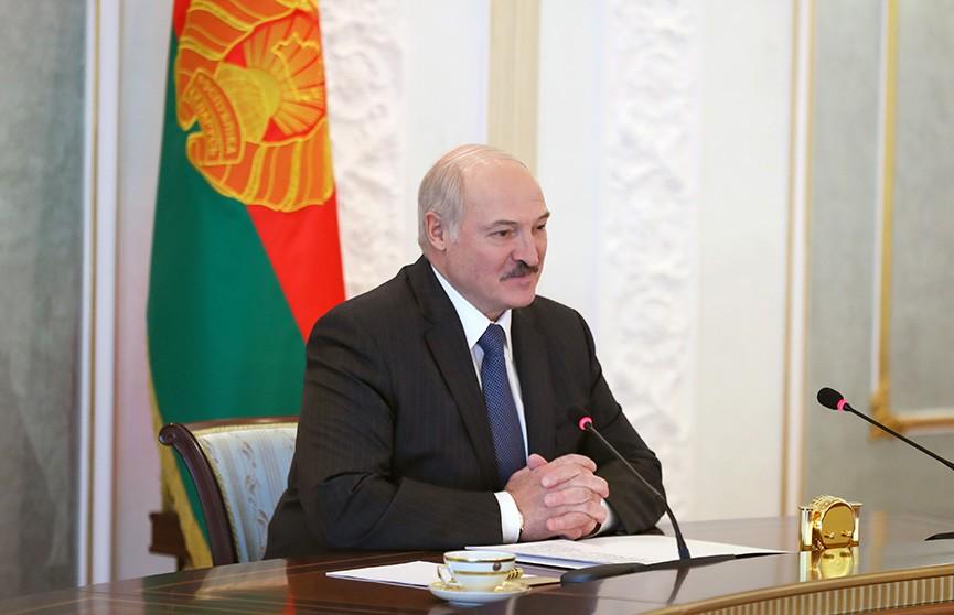 Парад Победы, президентские выборы и COVID-19: о чем еще говорили Лукашенко и Додон?