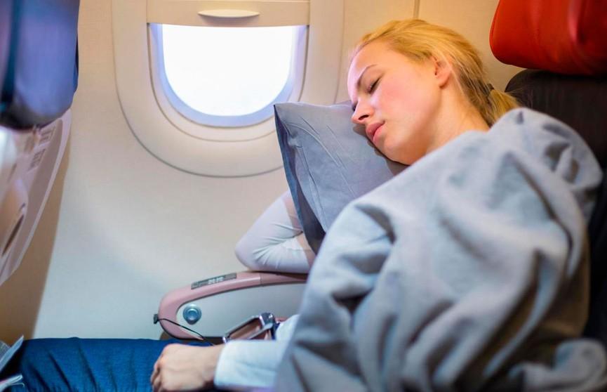 Как уснуть в самолете? Советы туристов