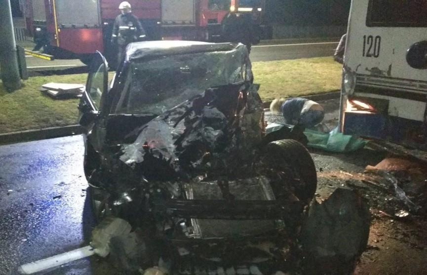 ДТП в Бресте: водитель Volkswagen врезался в троллейбус и погиб