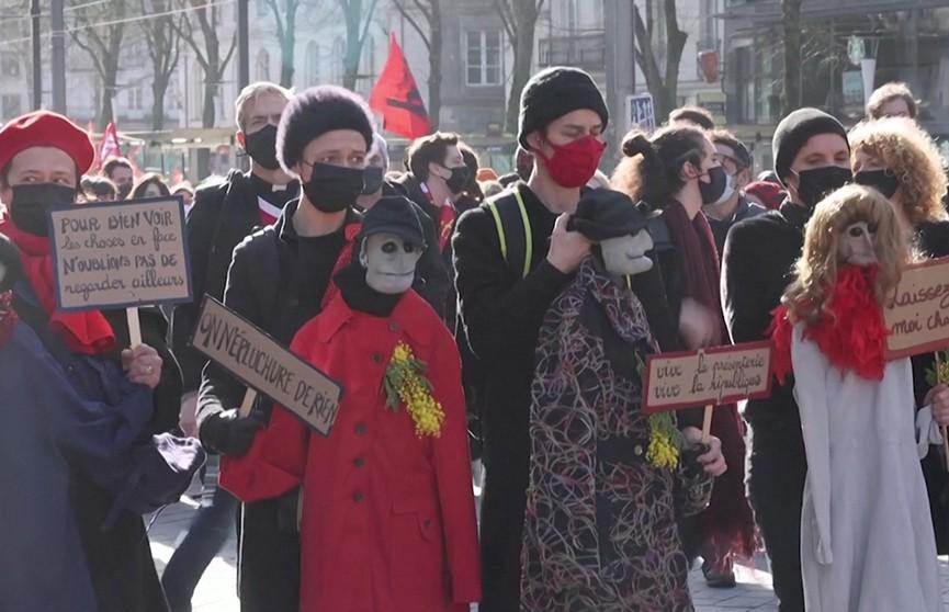 Борьба за выживание: из-за пандемии и ограничений европейцы выходят на улицы