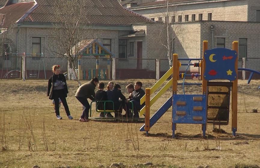 Эммануэль в Михеевке. За интимную связь со школьником суд наказал 20-летнюю девушку