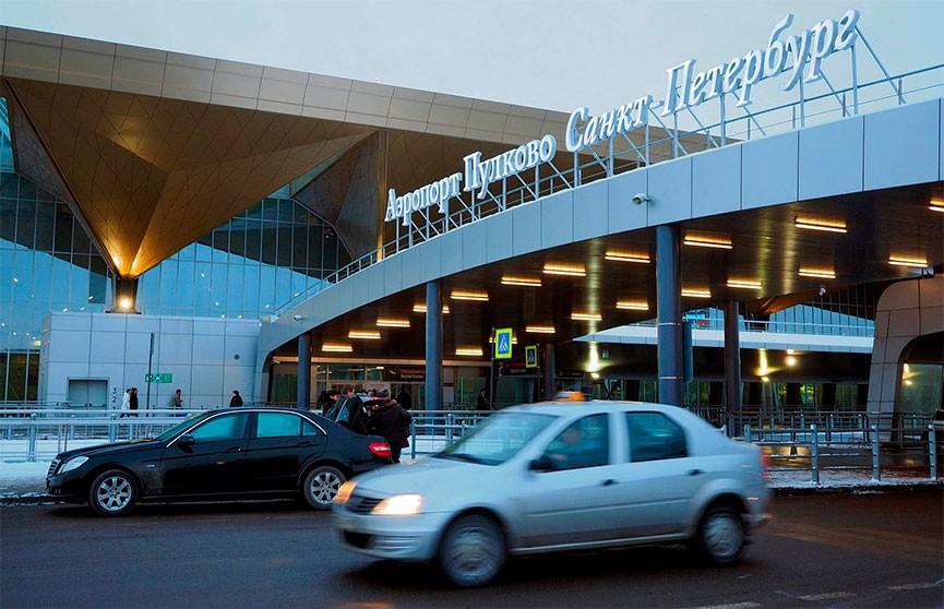 Два самолета столкнулись на взлетно-посадочной полосе в Пулково
