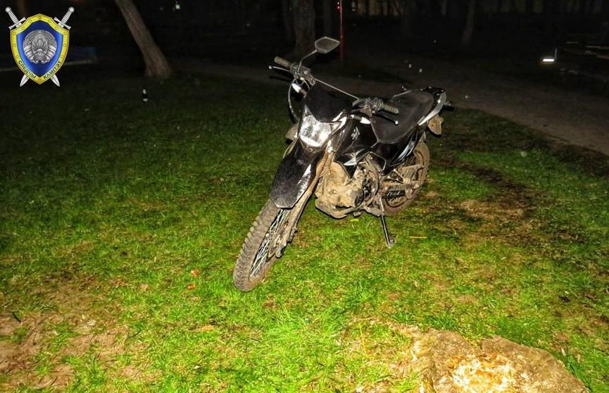 В Лидском районе пьяный мотоциклист сбил 11-летнего мальчика. Ребёнок находится в тяжелом состоянии
