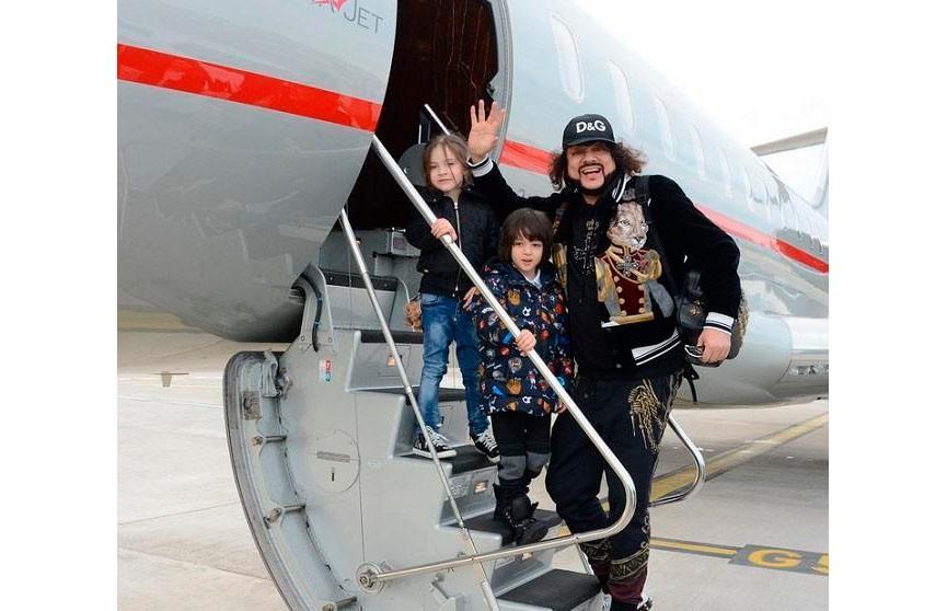 Киркоров опубликовал в Инстаграм видео жёсткой посадки