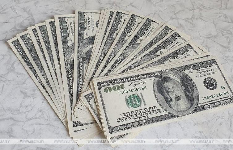 В Минске предприниматель обменял в банке поддельную валюту
