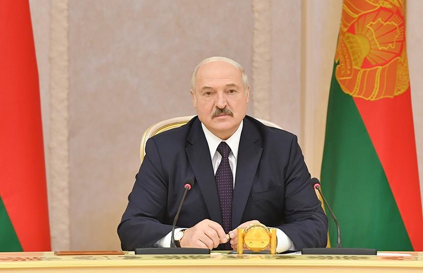 Лукашенко предложил Свердловской области расширить производственную кооперацию в машиностроении