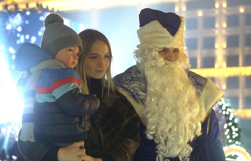 Акваланг, чум, каток и карусели: как встречали Новый год белорусы?