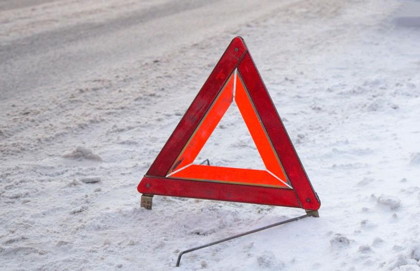 Автобус с белорусами перевернулся в Псковской области: 19 человек пострадали