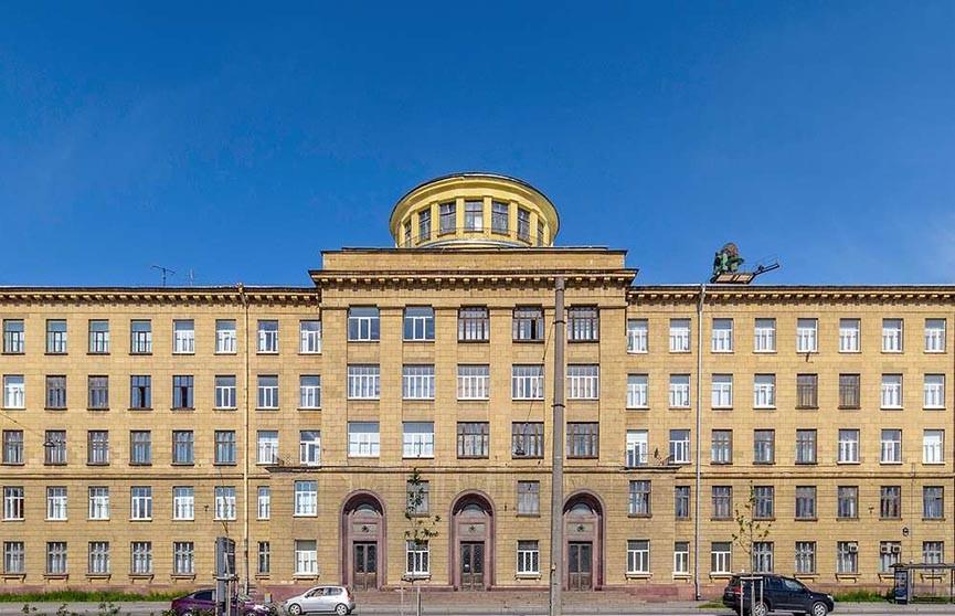 Мина взорвалась в здании военной академии Санкт-Петербурга, есть пострадавшие