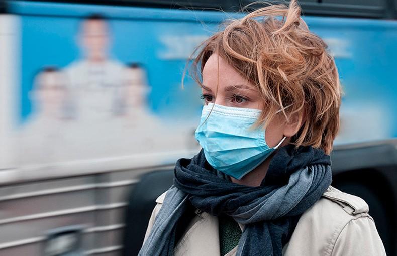 Вылечившаяся от коронавируса белоруска рассказала, нужно ли переболевшим COVID-19 использовать средства защиты