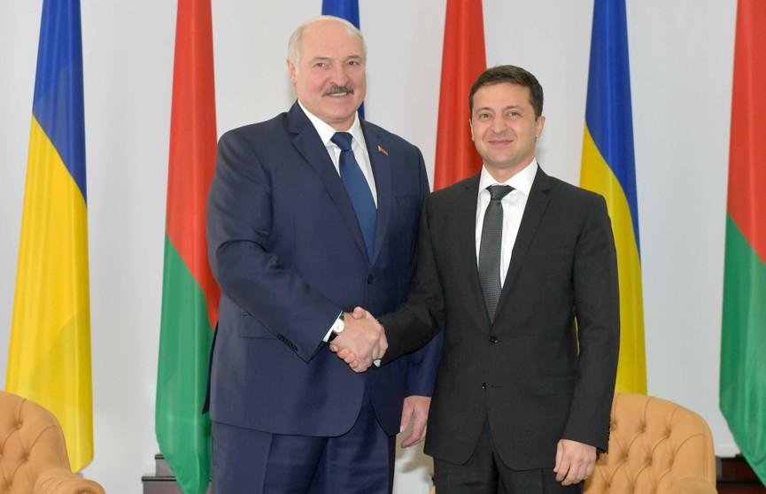 Первая встреча Лукашенко и Зеленского на II Форуме регионов в Житомире: что стоит за словами и громкими заявлениями?