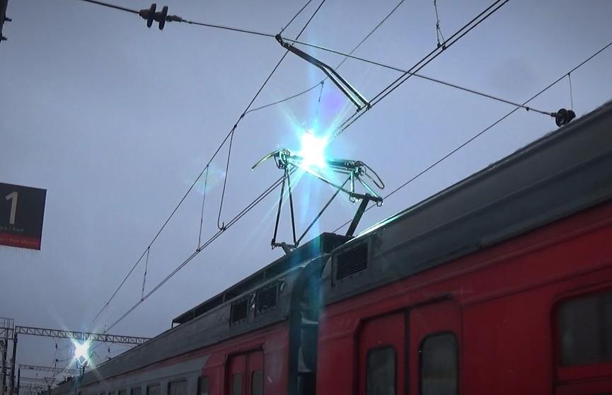 Подросток катался на крыше электрички в Московской области и умер от удара тока