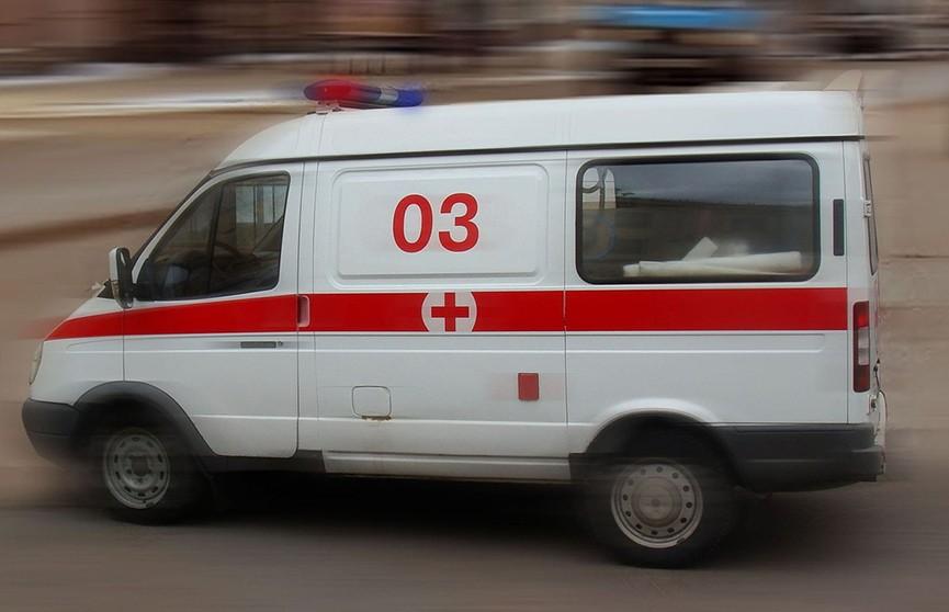 Mercedes сбил девушку в Ждановичах: она погибла