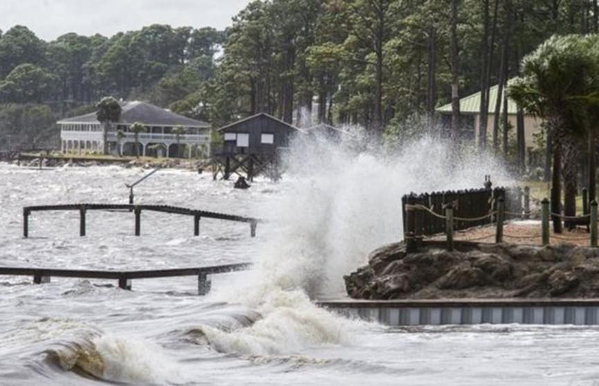 Ураган «Майкл» бушует в Мексиканском заливе