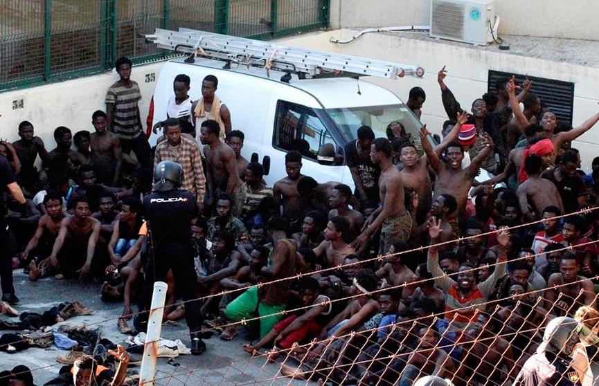 Испанская береговая охрана спасла более 500 мигрантов