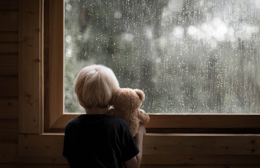 5-летний мальчик упал с балкона на 8 этаже в Микашевичах: ребёнок в реанимации