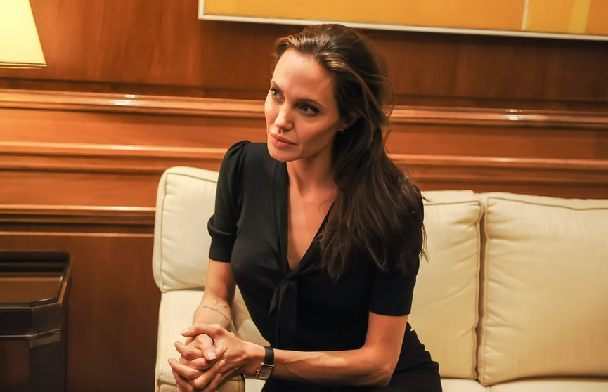 Анджелина Джоли завела аккаунт в Instagram, чтобы рассказывать об афганцах. У нее уже почти 7 млн подписчиков!