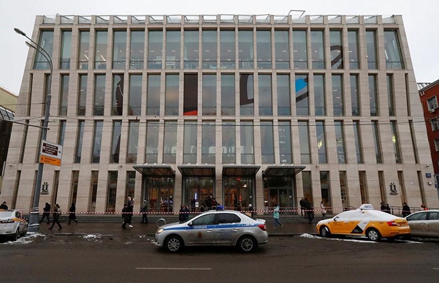 Ложная тревога! В Москве эвакуировали более десяти крупных торговых центров из-за звонков о минировании