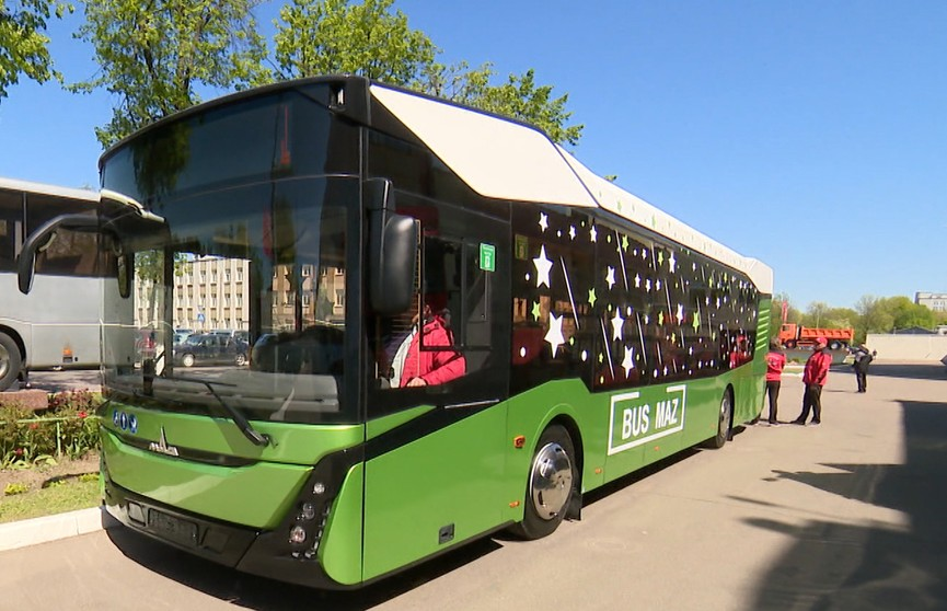 Новые модели электробусов представили на выставке МАЗ