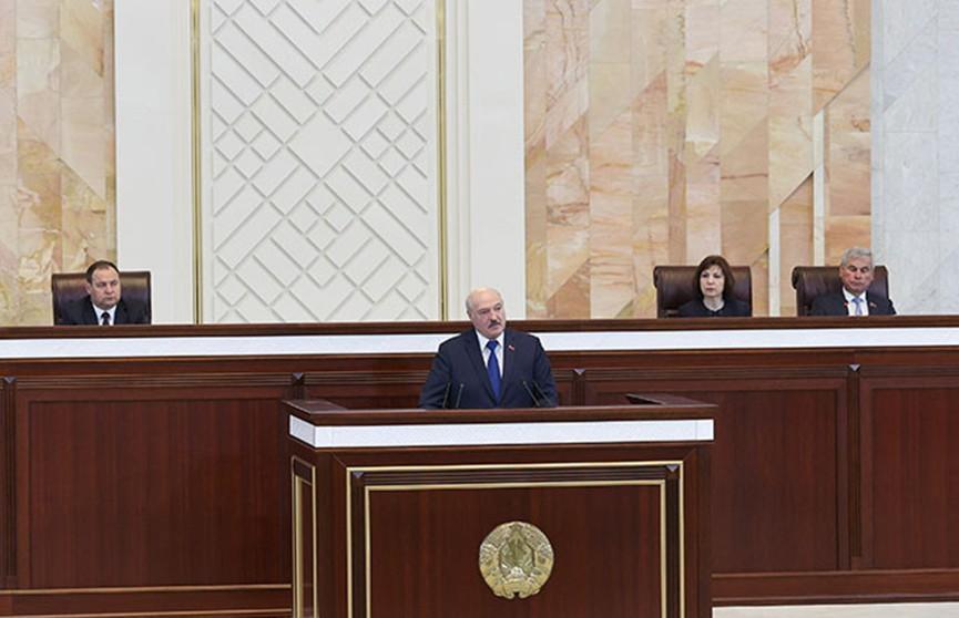 Лукашенко: От белорусов требуется одно – единство. Главные тезисы выступления Президента в парламенте