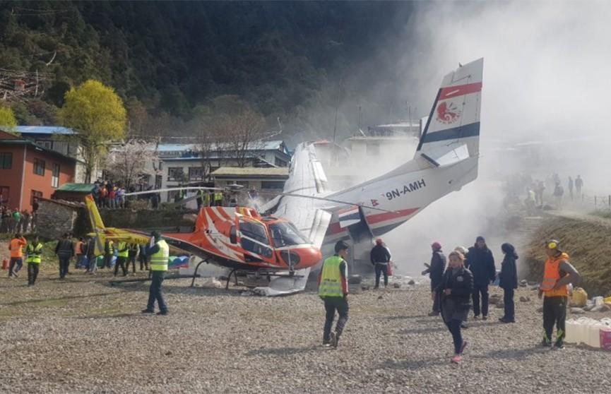 Легкомоторный самолёт разбился в Непале, есть жертвы