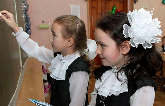 Лукашенко: Каникулы у школьников, скорее всего, продлим на неделю