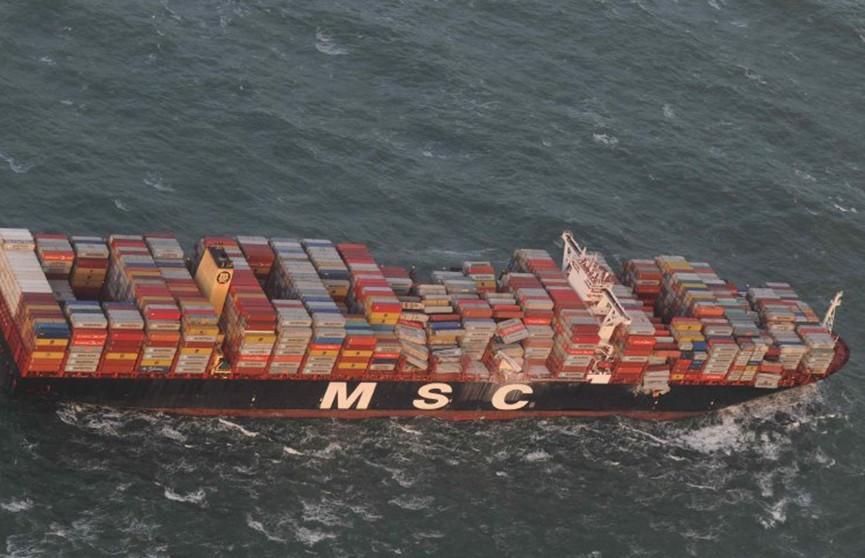 Сухогруз потерял несколько контейнеров с ядовитыми химикатами в Северном море