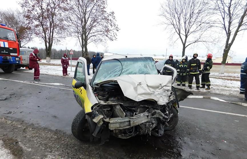 Лобовое столкновение в Смолевичском районе: погиб водитель такси