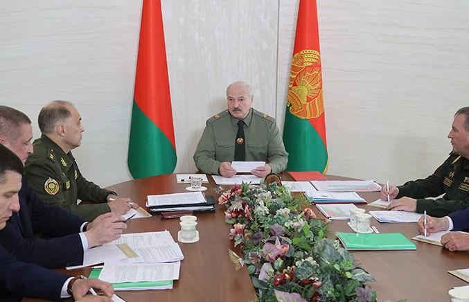 Александр Лукашенко провел совещание по вопросам территориальной обороны в Шклове