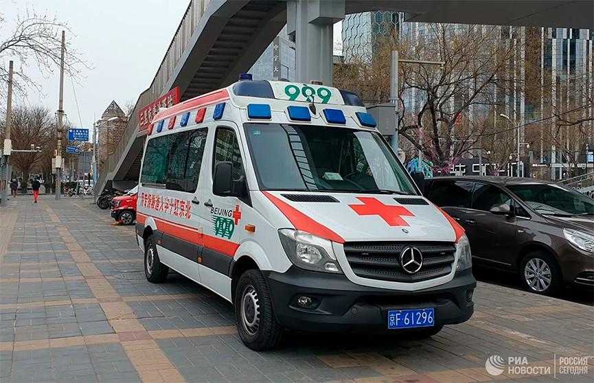 Число жертв обрушения отеля в Китае достигло 13 человек