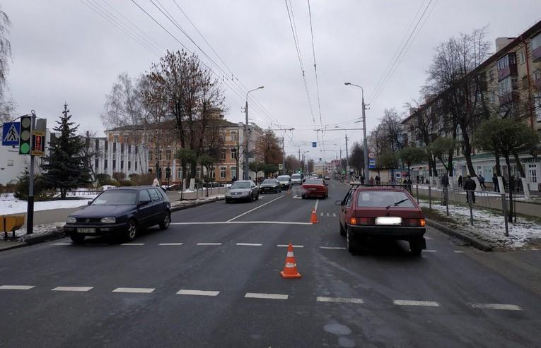 9-летнего мальчика на пешеходном переходе в Гомеле сбила машина: он – в реанимации