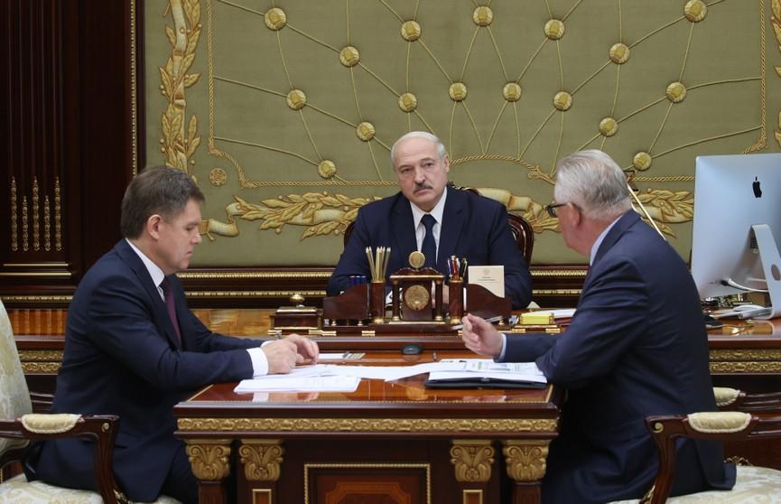 Лукашенко: надо очень активно начинать учебный год