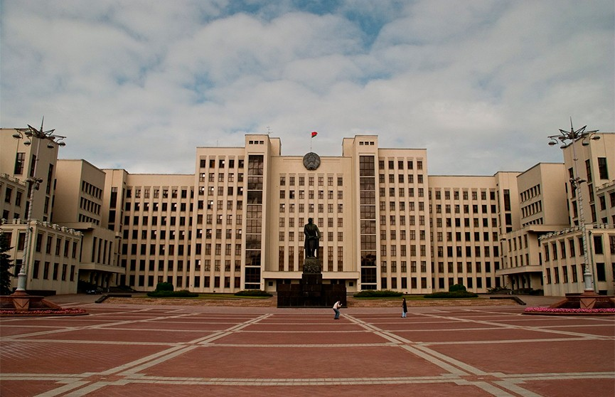 Лукашенко рассказал о причинах переноса Послания народу и парламенту