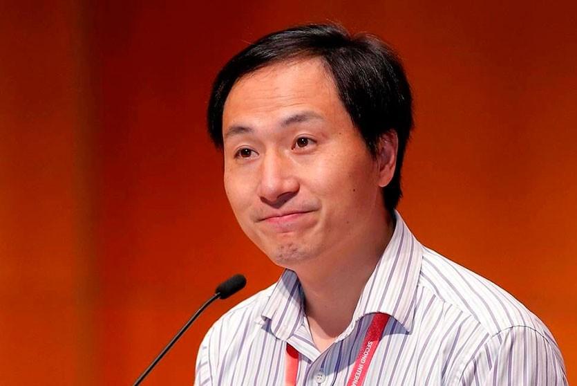 Китайского генетика приговорили к тюремному сроку за создание генномодифицированных детей