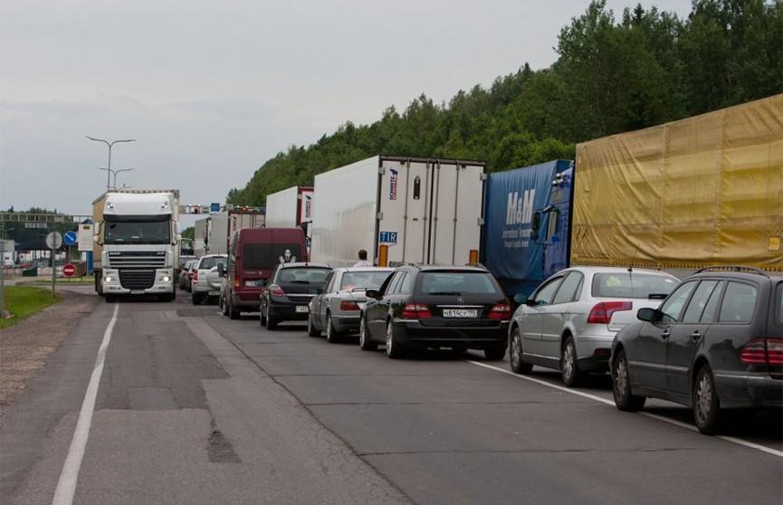 Литовская таможня временно перестала принимать грузовики из Беларуси