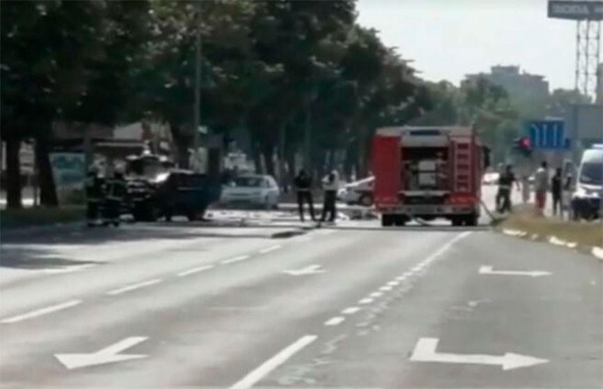 В Белграде взорвался внедорожник: два человека пострадали
