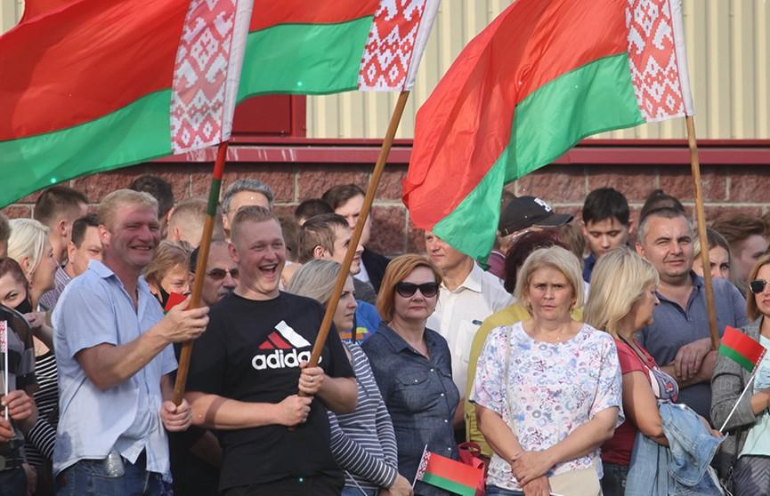 Акции в поддержку мира и спокойствия продолжаются в Беларуси