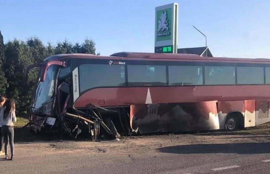 Автобус с белорусскими туристами попал в ДТП возле Львова