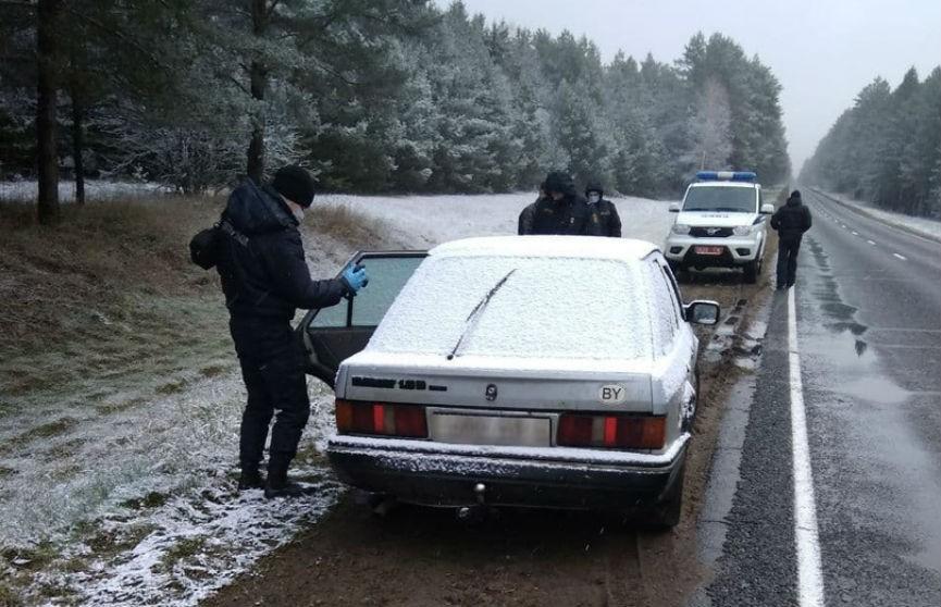 В Слониме молодые угонщики заправили дизельную машину бензином и оставили на трассе