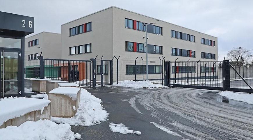 В Германии для нарушителей карантина оборудуют центр под надзором полиции