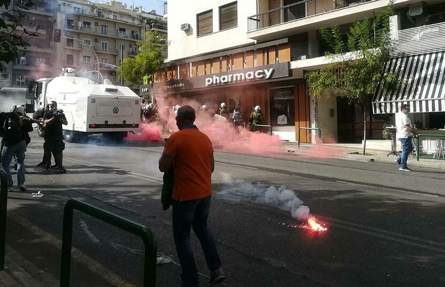 В Греции произошли беспорядки из-за продления режима жесткого карантина