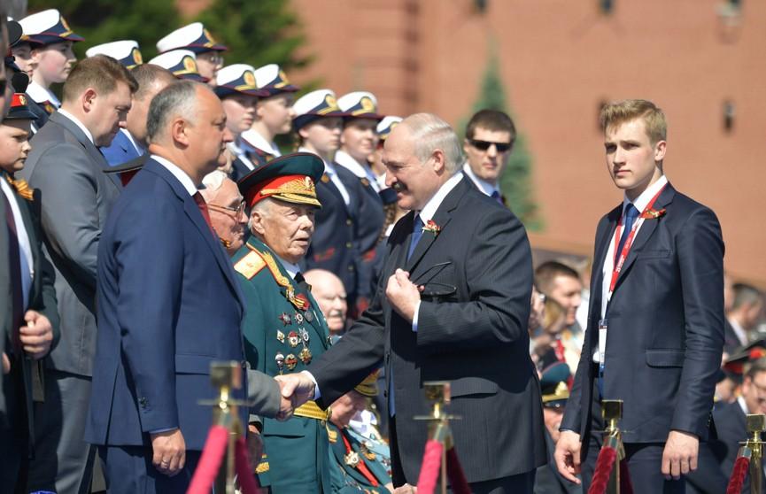 Александр Лукашенко в Москве принял участие в параде по случаю 75-летия Победы в Великой Отечественной войне