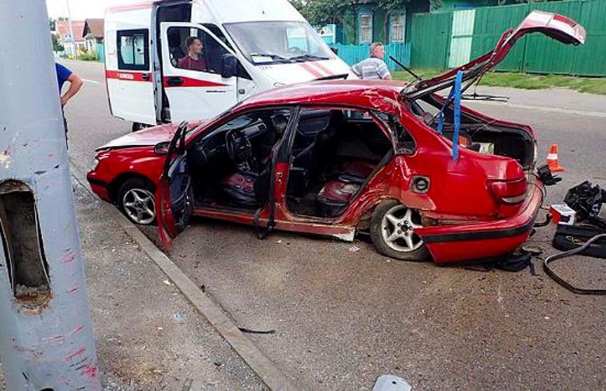 ДТП в Гомеле: столкнулись две легковушки, пострадали пять человек