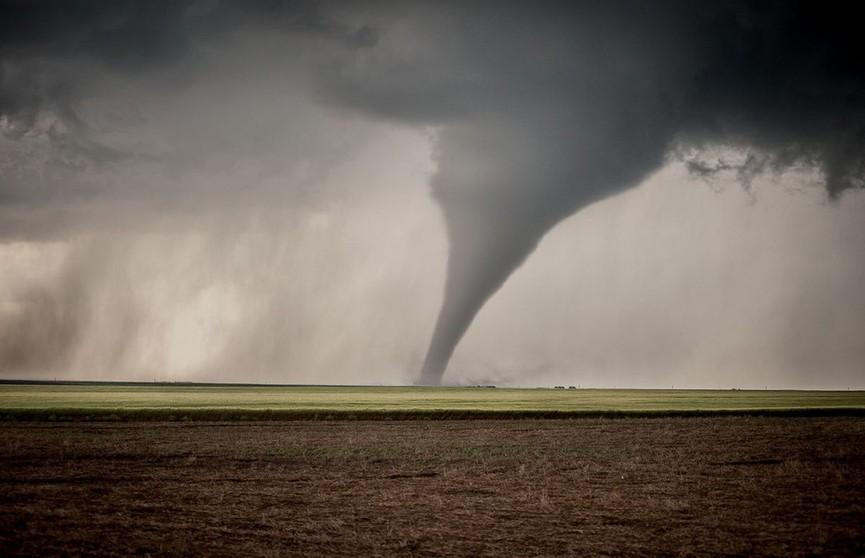 Более 10 человек погибли в США из-за торнадо