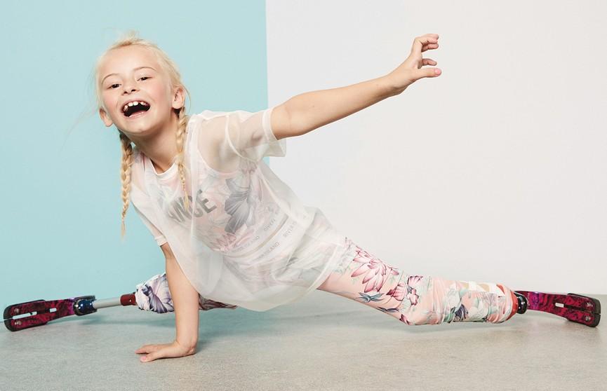 Фурор на Неделе моды в Нью-Йорке: на подиум вышла 9-летняя модель без ног (ФОТО и ВИДЕО)