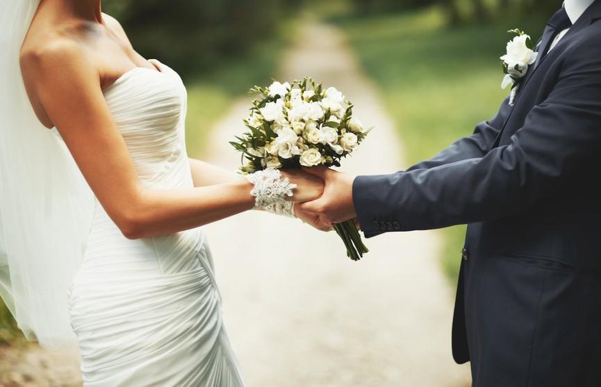 Брак полезен для мужчин, считают ученые
