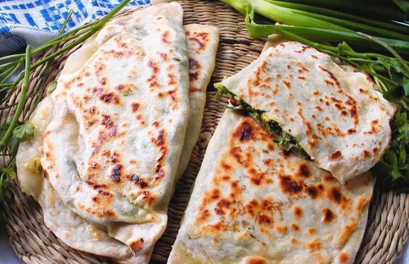 Лепешки с сыром и зеленью – это так просто и изумительно вкусно! Рецепт Юлии Высоцкой